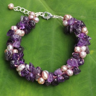 Handcrafted Amethyst 'Gracious Lady' Pearl Bracelet (4 mm) (Thailand)