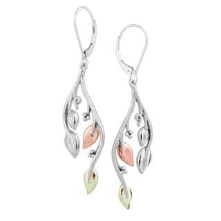 Vinya Silver/Gold Dangle Earrings|https://ak1.ostkcdn.com/images/products/11968510/P18852686.jpg?impolicy=medium