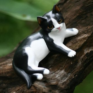 Handcrafted Albesia Wood 'Kitten in a Tux' Statuette (Indonesia)