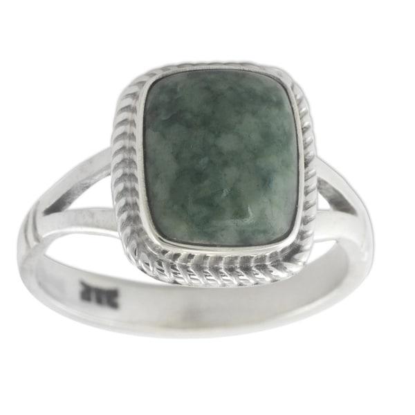 Handmade Sterling Silver 'Life Divine' Jade Ring (Guatemala) - Green