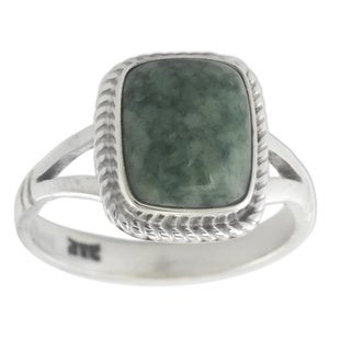 Handcrafted Sterling Silver 'Life Divine' Jade Ring (Guatemala)