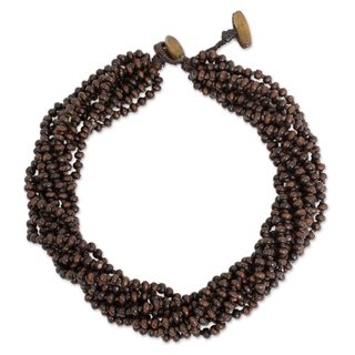 Handcrafted Littleleaf Wood 'Sukhothai Belle' Necklace (Thailand)