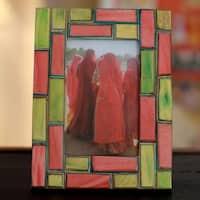 Handmade Indian Elm Wood 'Walled City' Photo Frame (India)
