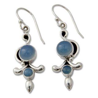 Handmade Sterling Silver 'Sky Garland' Chalcedony Earrings (India)