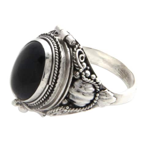 Handmade Sterling Silver 'Goth Secrets' Onyx Ring (Indonesia)