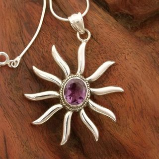 Handcrafted Sterling Silver 'Purple Sun' Amethyst Necklace (India)
