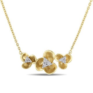 Miadora 14k Yellow Gold 1/10ct TDW Diamond Flower Necklace (G-H, SI1-SI2)