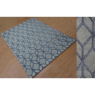 Aurelle Home Diamond Hand Tufted Rug (5' x 8')