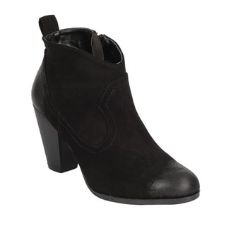 QUPID FC25 Women's Oil Finish Stacked Block Heel Ankle Booties