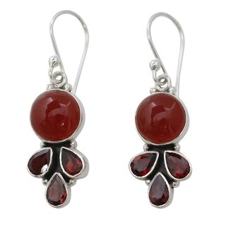 Handcrafted Sterling Silver 'Ardent Color' Carnelian Garnet Earrings (India)