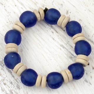 Handcrafted Recycled Glass Sese Wood 'Accra Blue' Bracelet (Ghana)