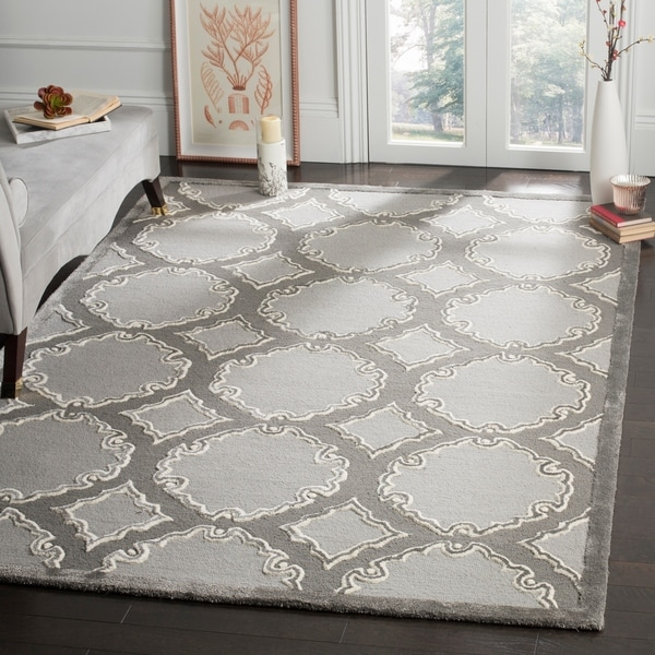 Safavieh Handmade Bella Grey/ Light Grey Wool Rug - 8' x 10'