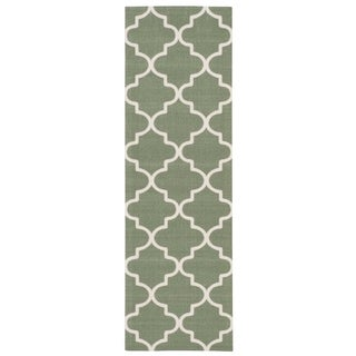 Waverly Sun N' Shade Moss Indoor/ Outdoor Rug by Nourison (1'10 x 6')