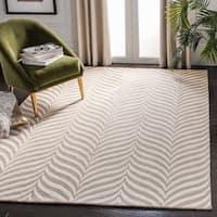 Safavieh Handmade Bella Sand/ Ivory Wool Rug - 8' x 10'