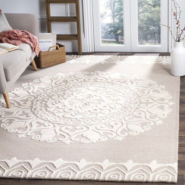 Safavieh Handmade Bella Beige/ Ivory Wool Rug (8' x 10')