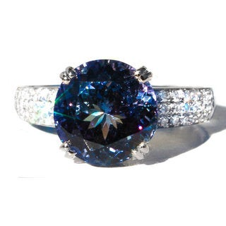 California Girl Jewelry 18K White Gold Tanzanite and Diamond Ring