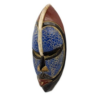 Handcrafted African Wood 'Zulu Blue' Mask (Ghana)