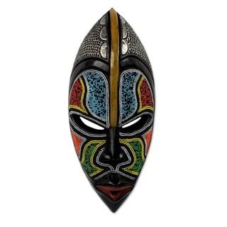 Handmade African Wood 'Bantu Zulu' Mask (Ghana) - Multi-color
