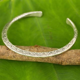 Handcrafted Silver 'Karen Lace' Bracelet (Thailand)
