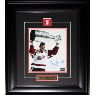 Steve Yzerman Detroit Red Wings Stanley Cup Signed 8x10-inch Frame