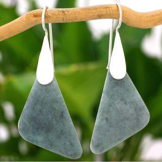 Handmade Sterling Silver 'Contemporary Contours' Jade Earrings (Guatemala)