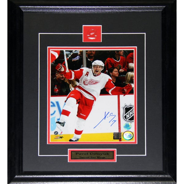 Pavel Datsyuk Detroit Red Wings Signed 8x10-inch Frame