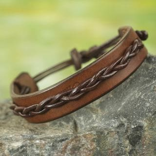 Handcrafted Men's Leather 'Simple Twist in Brown' Bracelet (Ghana)