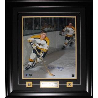 Bobby Orr Boston Bruins Signed 16x20-inch Frame