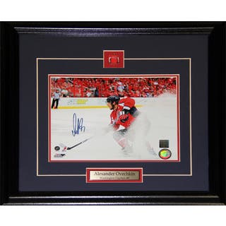 Alexander Ovechkin Washington Capitals Signed 8x10-inch Frame|https://ak1.ostkcdn.com/images/products/12006368/P18883551.jpg?impolicy=medium