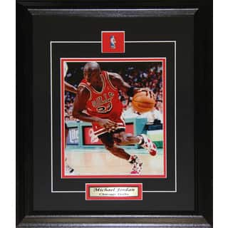 Michael Jordan Chicago Bulls 8x10-inch Frame|https://ak1.ostkcdn.com/images/products/12006612/P18883775.jpg?impolicy=medium