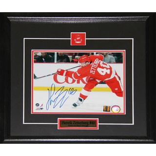 Henrik Zetterberg Detroit Red Wings Signed 8x10-inch Frame