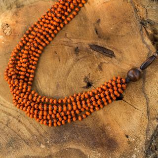 Handcrafted Littleleaf Boxwood 'Orange Muse' Necklace (Thailand)