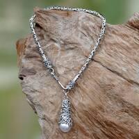 Handmade Sterling Silver 'Arabesque Dewdrop' 8mm Pearl Bracelet (Indonesia)