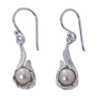 Sterling Silver 'Majestic Muse' 7mm Pearl Earrings