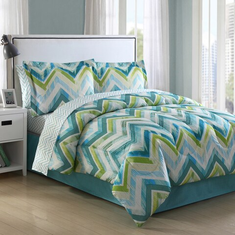 Connor Chevron 8-piece Bed in a Bag with Sheet Set