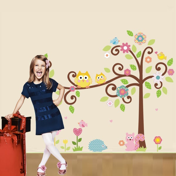 HomeSource 'Who is Who in the Tree' 20-inch x 28-inch Removable Wall Graphic