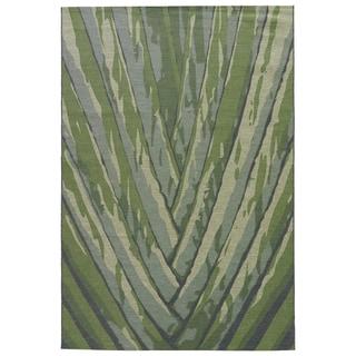 "Shade Indoor/ Outdoor Floral Green Area Rug (7'6"" X 9'6"")"