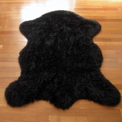 Clic Bear Pelt Black Faux Fur Rug