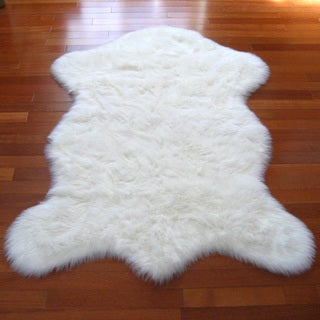 Snowy White Polar Bear Pelt Faux Fur Rug (4'7 x 6'7)