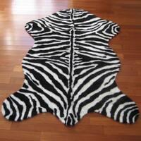 Black and White Acrylic Faux Zebra Skin Narrow Striped Rug - 4'7 x 6'7