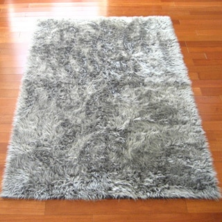 Dark Silver Faux Fur Flokati Rug (4'7 x 6'7)
