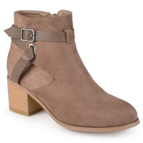 Journee Collection Women's 'Mara' Round Toe Two-tone Booties