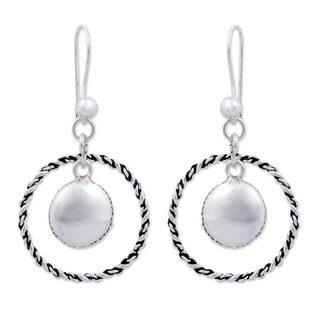 Handmade Sterling Silver 'Shimmer and Twist' Earrings (Peru)