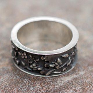 Handmade Sterling Silver 'God's Hand in Eden' Ring (Peru)