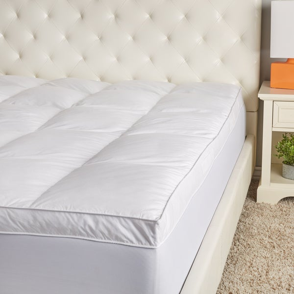 Hotel Madison 300 Thread Count Cotton 3-Inch Gusset Quilted Feather Topper