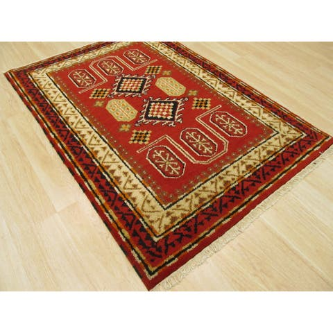 Hand-knotted Wool Red Traditional Oriental Kazak Rug (4'2 x 6'1) - 4' x 6'