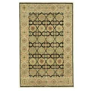 Hand-knotted Wool Black Traditional Oriental Agra Rug (3'10 x 6')