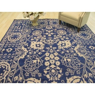 Hand-knotted Wool Blue Traditional Oriental Suzani Rug (6' x 9') - 6' x 9'