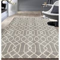 OSTI Grey/White Modern Trellis Patterned Area Rug - 7'6 x 9'5