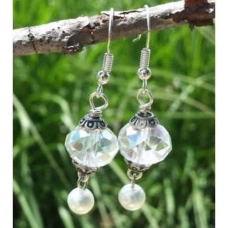Mama Designs Handmade Beaded Clear Drop-style Earrings